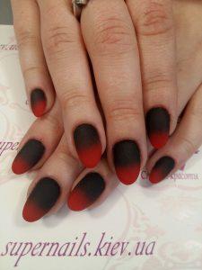 красно-черный градиент на ногтях