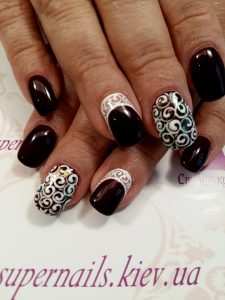темно-вишневый дизайн ногтей