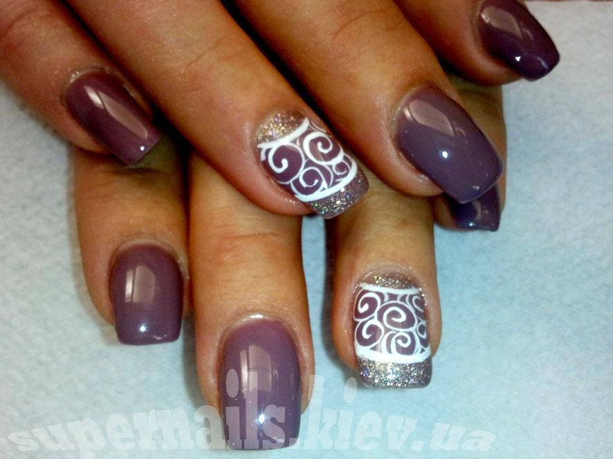 сливовые ногти на Позняках