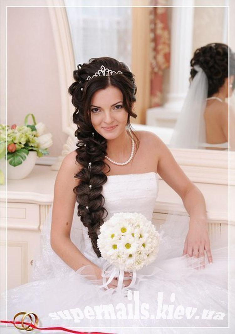 Прически на длинные волосы с косами на свадьбу